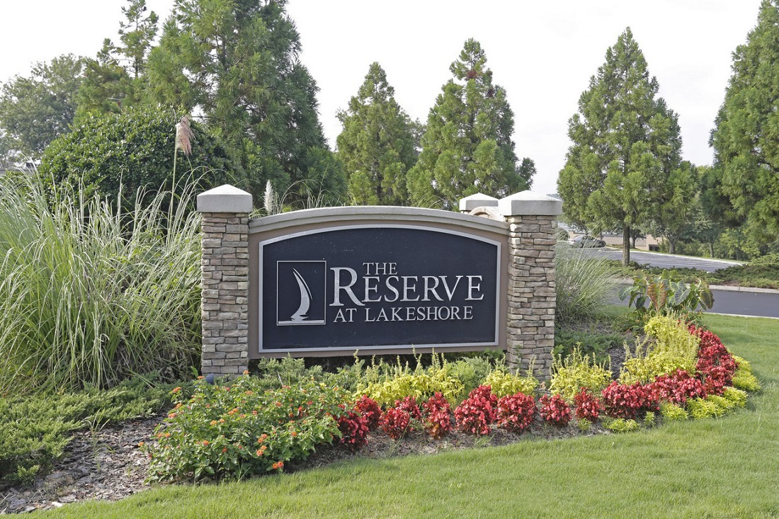 Reserve at Lakeshore Apartments